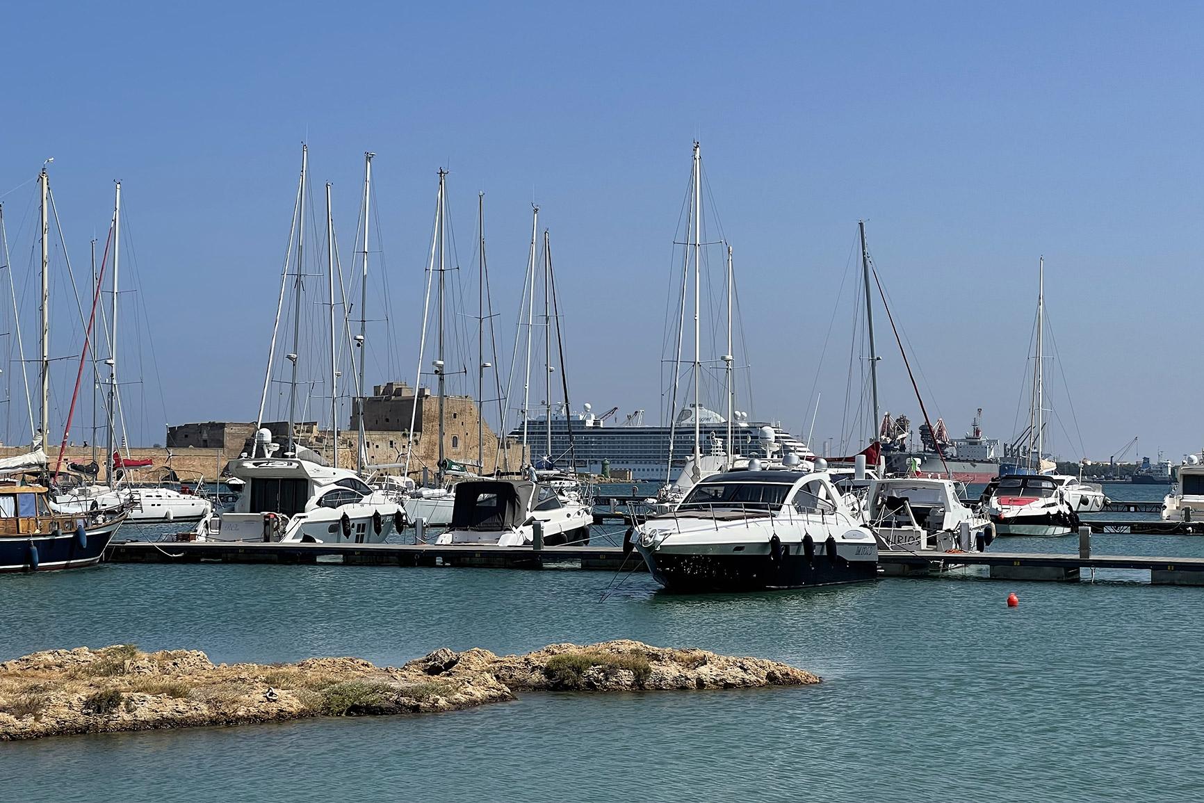 porto-turistico-marina-di-brindisi-(3)